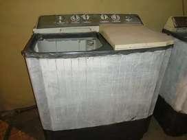 Se vende hermosa lavadora lg manual de plástico grueso y 9 kilos