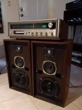 Amplificador Fisher + par de parlantes Vintage armados