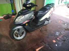 Vendo moto brava scuter 150cc