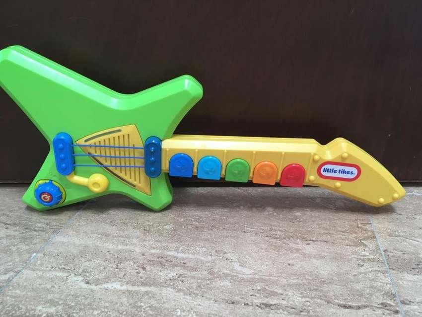 Guitarra para niños Fisher Price 0