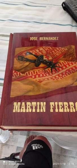 Vendo libro de Martin fierro 45 años de antiguedad