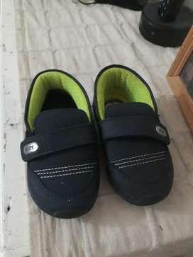 Zapatillas 22