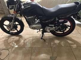 moto color negra
