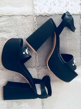 Urgente vendo hermosas sandalias