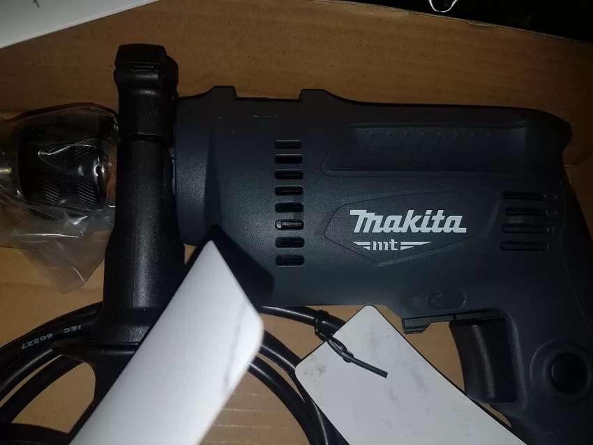 Liquido súper combo Makita nuevo original 0