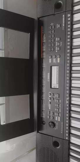 Piano de Marca YAMAHA