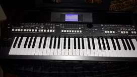 Yamaha psr 670