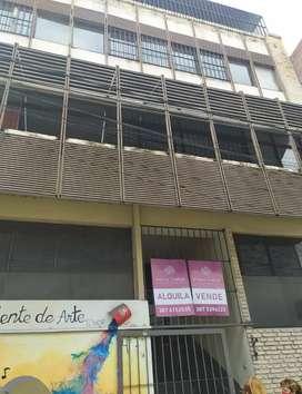 Edificio de 4 plantas en calle Ituzaingó N 347