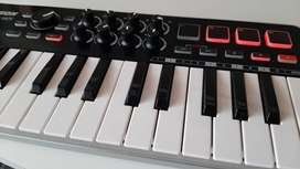 Controlador MIDI mini Samson m25