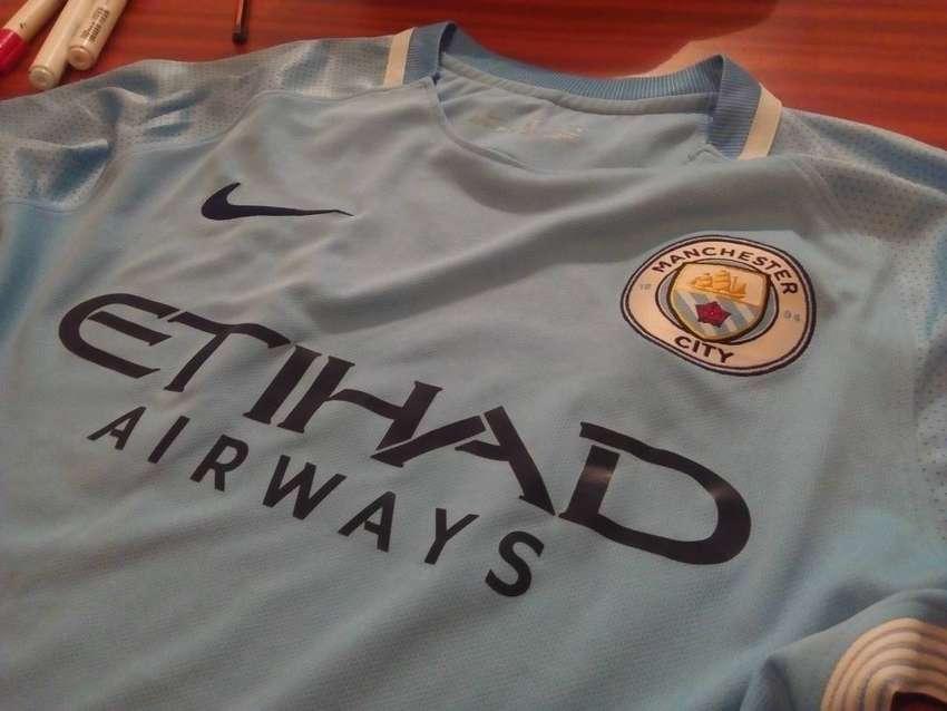 Camiseta Manchester City talle M 0