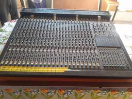 Consola 48 canales behringer