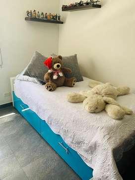 Se vende cama sencilla con cama auxiliar  y colchones