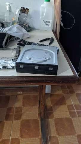 Unidad de CD/DVD EN BUEN ESTADO
