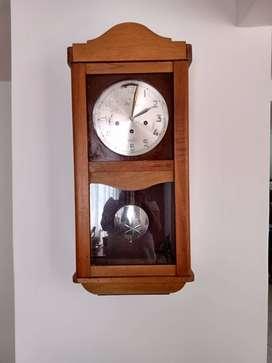 Relojes de Pared y Despertador.