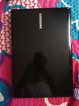 Vendo portátil Samsung