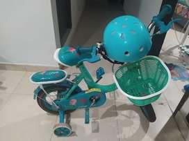 Vendo linda bicicleta de niña