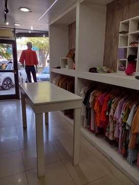 Vendo fondo de comercio de indumentaria femenina
