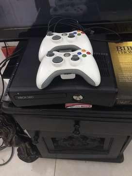 Vendo o cambio y encimo xbox 360 con 70 juegos incluidos y 1000 juegos de super nintendo y 2000 juegos de ninteno
