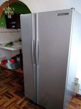 Vendo refrigeradora funciona perfectamente General Electric