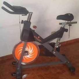 bicicleta profecional evolution-fitness y AB-coaster