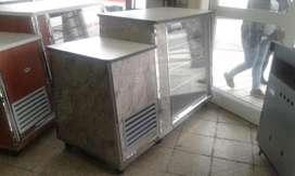 Heladera mostrador de 1.60 mts con piso y puerta de acero .NUEVA