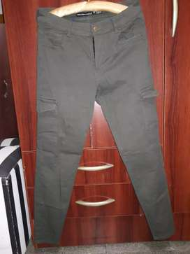Pantalón  verde poco uso