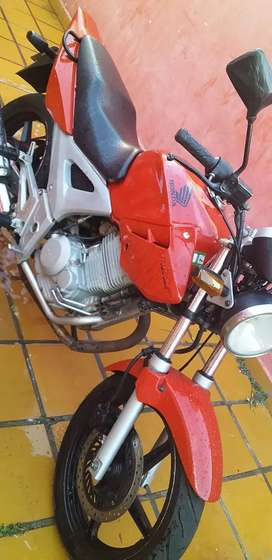 Honda twister impecable vendo 190...