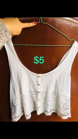 En venta blusa blanca