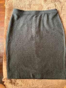 Falda gris de Banana Republic