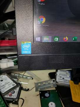 Todo en uno i3 de 4 generación  memoria RAM de 8 disco duro 750