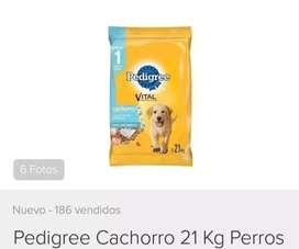 Alimento para perro pedigree.