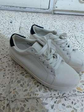 Zapatos deportivos talla 10