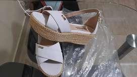 Se vende sandalias