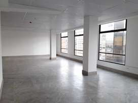 ZP, OA, Sector Swisootel!! Oficina en Arriendo de 100 m2, Av. 12 de Octubre