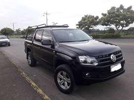 venta de camioneta negra Volkswagen 2011