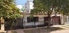 Vendo hermosa y amplia casa en Corrientes. Permuto por departamento en centro de Ctes.