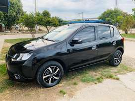 Renault Sandero version tripadvisor 1.6 full