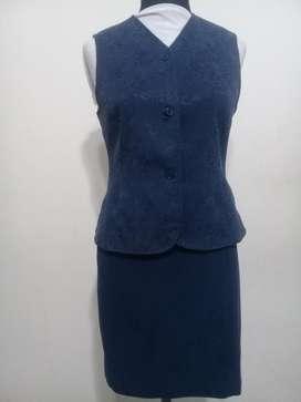 Conjunto pollera y chaleco azul de vestir dama Talle S 400