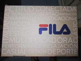 Zapatillas Fila Slant Force.( COMO NUEVAS ) / Color: Negro/ Grafito/ Plata ( ESCUCHO OFERTAS RAZONABLES).