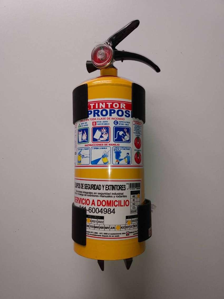 Extintor + Base