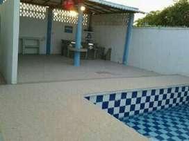 Alquiler de casa amoblada con piscina en Salinas a minutos de la playa