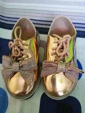Zapatos para niña número 25 y 26