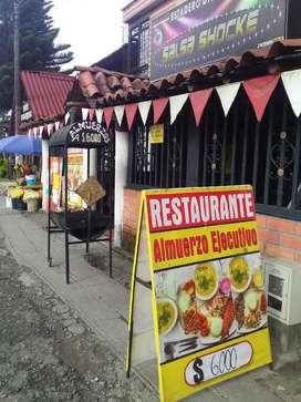 Se vende o alquila local con montajes para restaurante y discoteca