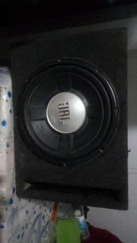 Vendo un bufer y una radio en buen estado solo tiene 9 meses de uso