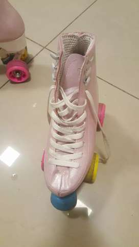Vendo patines profesionales talle 33 cuatro ruedas