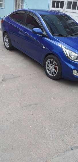 Vendo carro Hyundai i25 2014