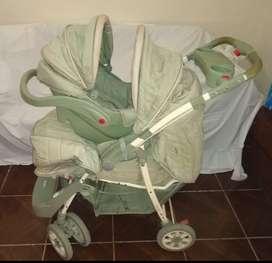 COCHE  MARCA PRIORI Color Verde EXCELENTE ESTADO DE CONSERVACION ( limpieza y cuidado) Lo utilizó un sólo bebé.7099