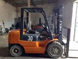 Autoelevador Heli 3.000kg triple con desplazador