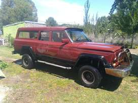 Jeep 4x4 221 Carrozada 3p