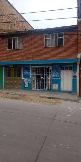 Tienda, variedades y papelería al lado de colegio Sta Librada